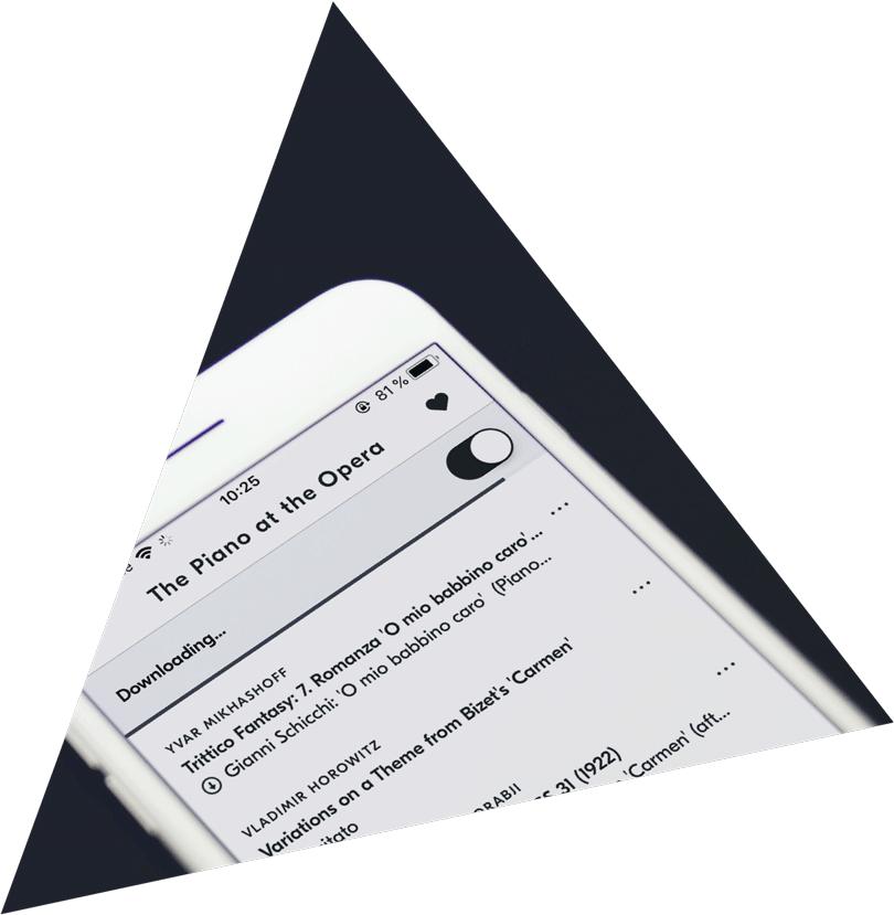 iPhone displaying IDAGIO's iOS app downloading tracks for offline useage
